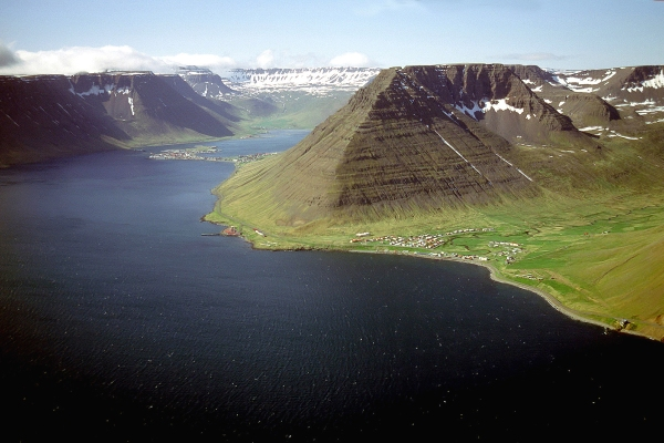 The mountain & Hnífsdalur.
